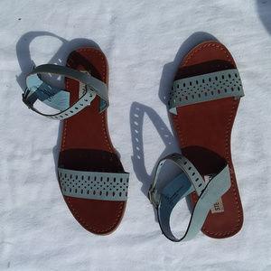 STEVE MADDEN light blue flat sandals